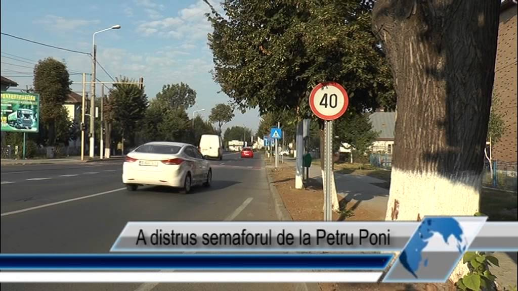 A distrus semaforul de la Petru Poni