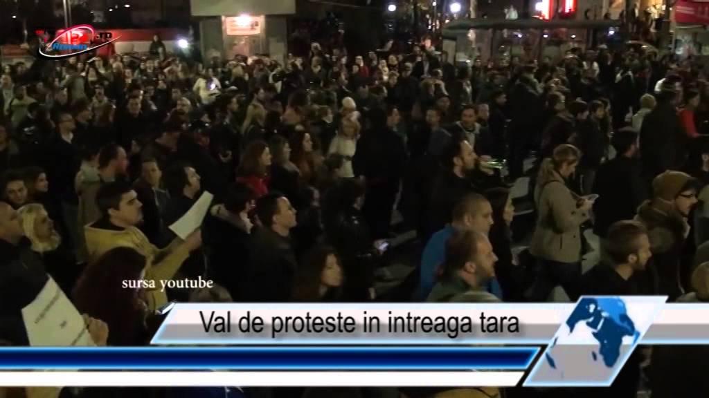 Val de proteste in intreaga tara