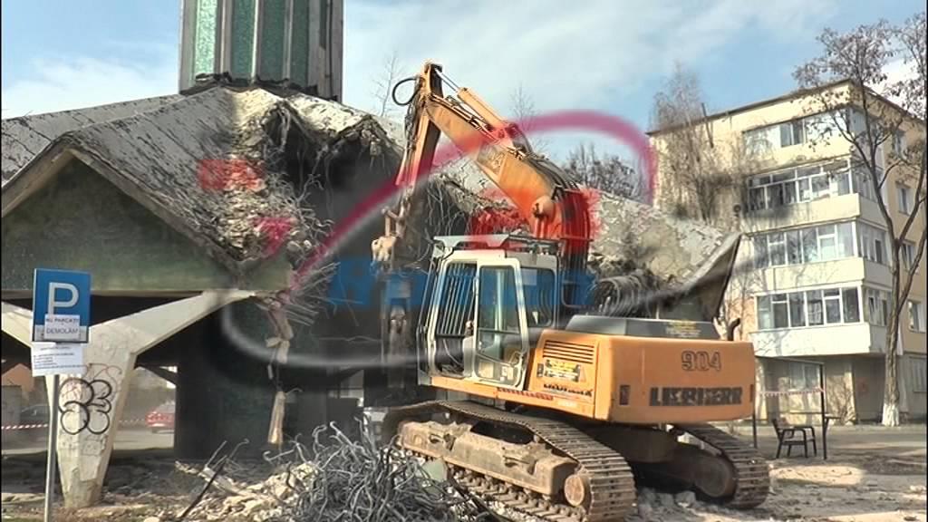 A inceput demolarea Centralei Ciuperca