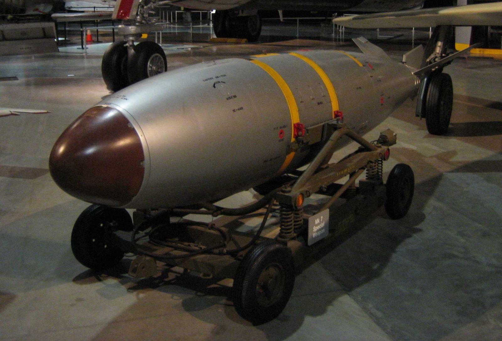 In sfarsit, o sa avem arme nucleare. Dar nu ale noastre…