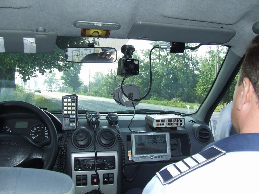 ÎCCJ a rezolvat dilema: cine te poate amenda pentru depășirea vitezei