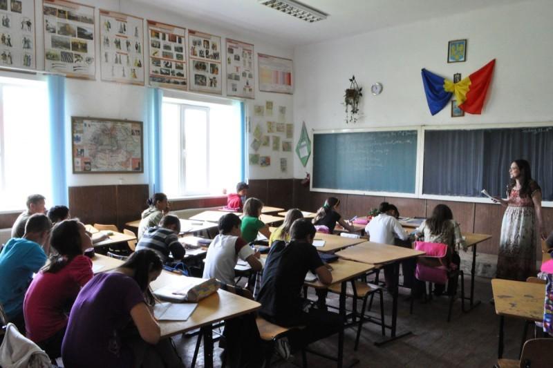 TOT CE TREBUIE SA STITI DESPRE ÎNSCRIEREA LA ŞCOALĂ, ANUL 2017-2018
