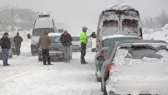 Șapte drumuri naționale din Moldova, închise din cauza zăpezii