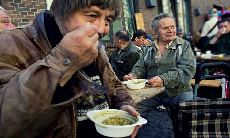 Tara asistatilor social loveste din nou! Ploiestenii renunta la hrana, ca sa nu presteze munca in folosul comunitatii!