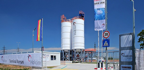 Holcim România a inaugurat un nou terminal de ciment, în Roman
