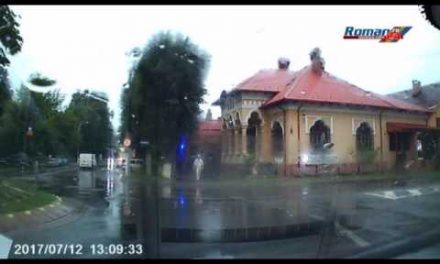 Live imagini din Roman, din timpul furtunii