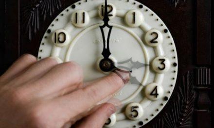 In acest weekend dam ceasurile cu o ora inapoi
