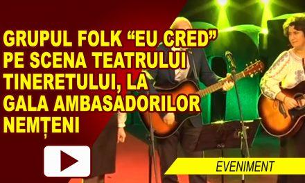 """Grupul folk """"EU CRED"""" pe scena Teatrului Tineretului, la Gala Ambasadorilor Nemțeni"""