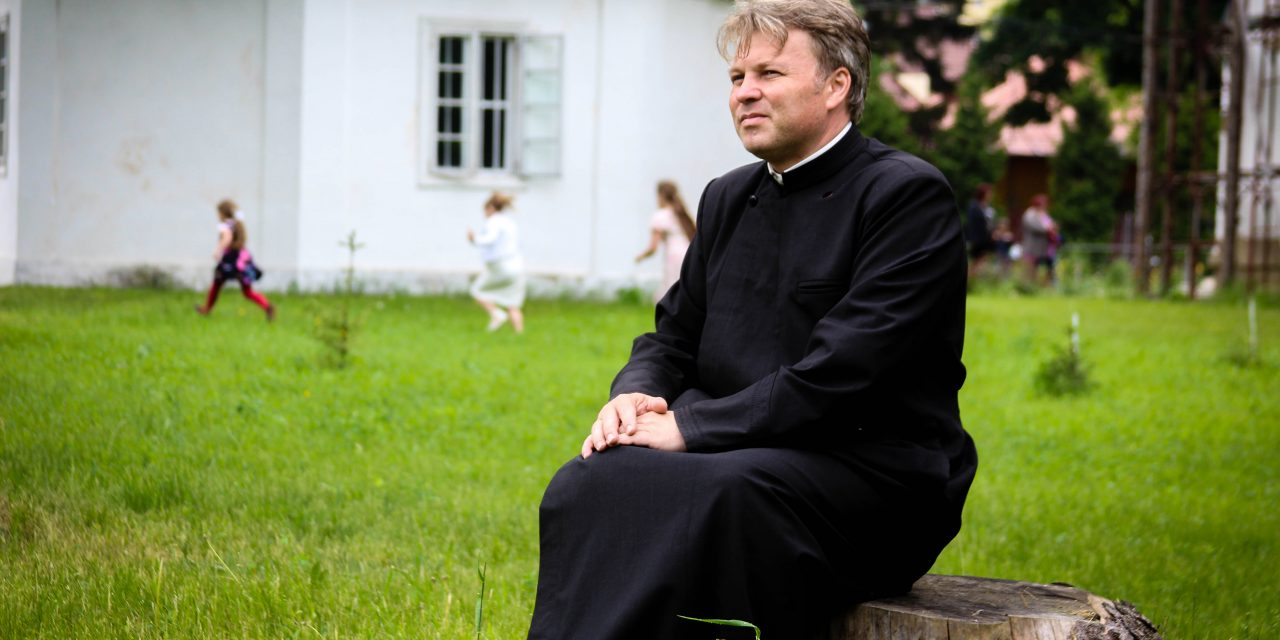 "Parohia ""Sf. Gheorghe"" Roman a fost premiată de Patriarhul României"