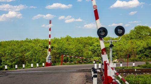 Trecerea la nivel cu calea ferată a lăsat fără permis 133 de participanți la trafic, în Neamț