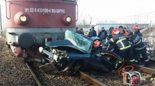 Accident feroviar în Neamț, un autoturism lovit de un marfar