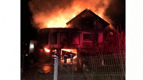 Incendiu de proporții astă noapte în Neamț