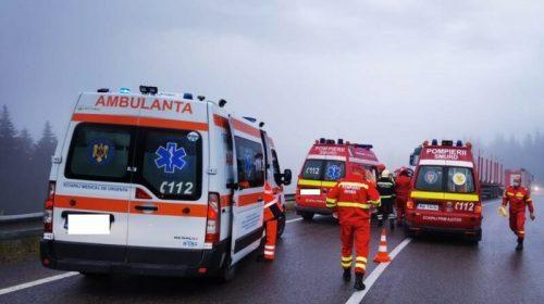 A fost activat PLANUL ROȘU. Cumplit accident cu 10 persoane implicate. Trei victime, încarcerate.