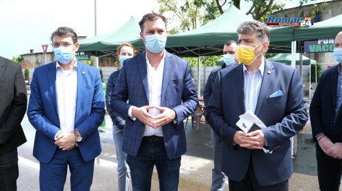(Video) Se deschide centrul de vaccinare Drive-Thru din Roman. Precizările prefectului George Lazăr și ale autorităților locale